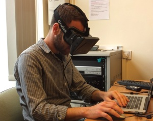 MA: DTCE student, Ioannis, explores the Mubil 'virtual laboratory' with the Oculus kit